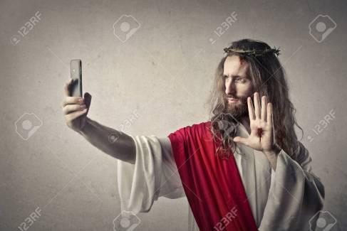 47827444-gesù-fa-un-selfie